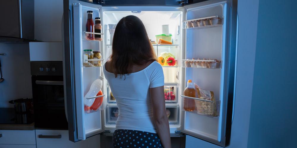 Como equilibrar o Kapha - Alimentar-se durante a noite não é indicado