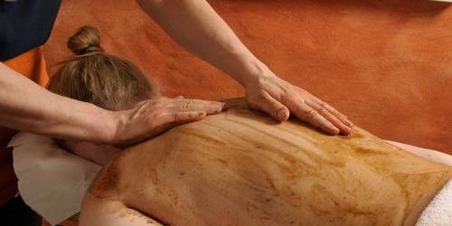 tratamentos ayurvédicos para a pele - Udwartana
