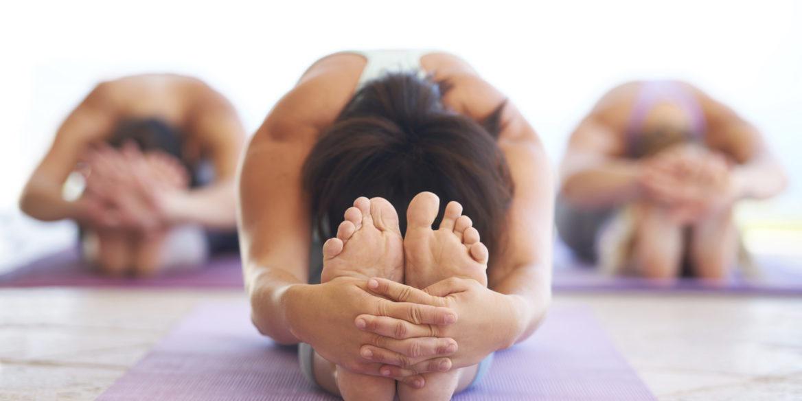 Alívio de cólicas e TPM com Yoga - Movimento